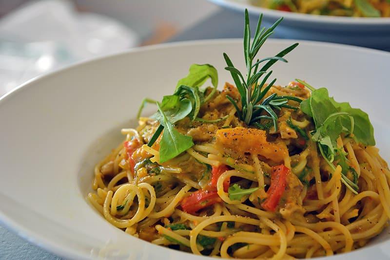Rezept für Pasta mit Steinpilzen und Kürbis