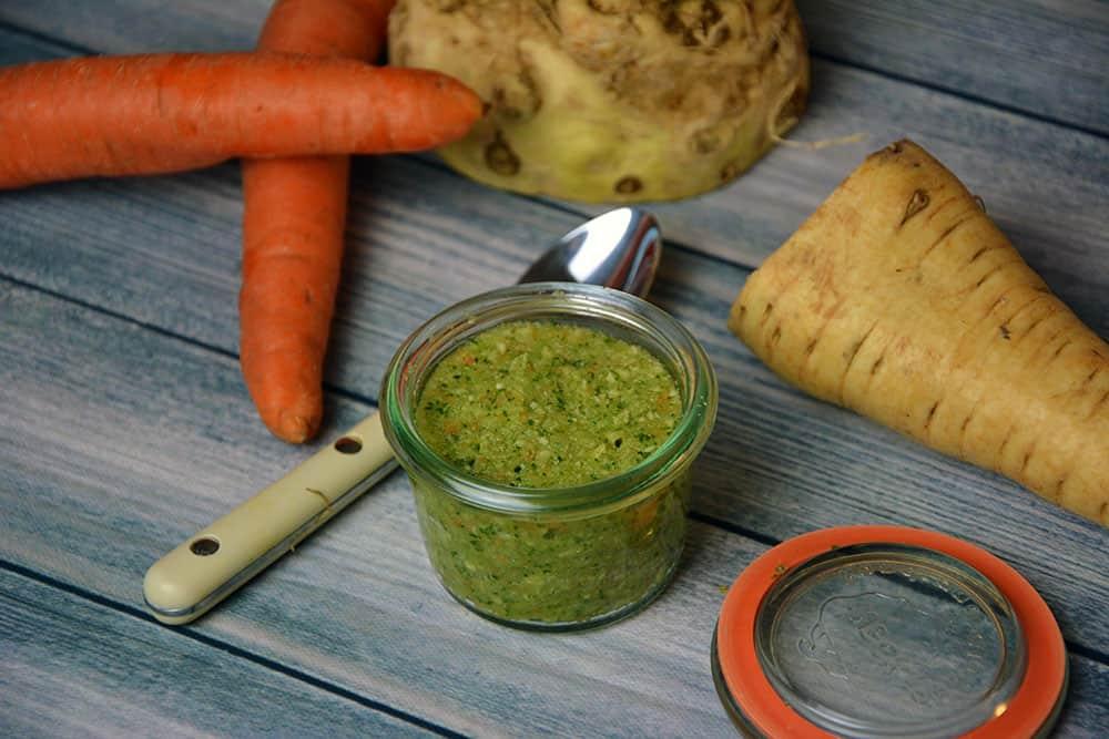 Gemüsebrühe selber machen ist nicht nur gesund sondern auch geschmacklich ein Muss für jeden Hobbykoch.